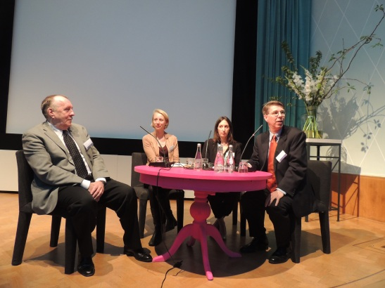 The pink table discussion, with Marten Jan, Sandra, Hans & Claartje